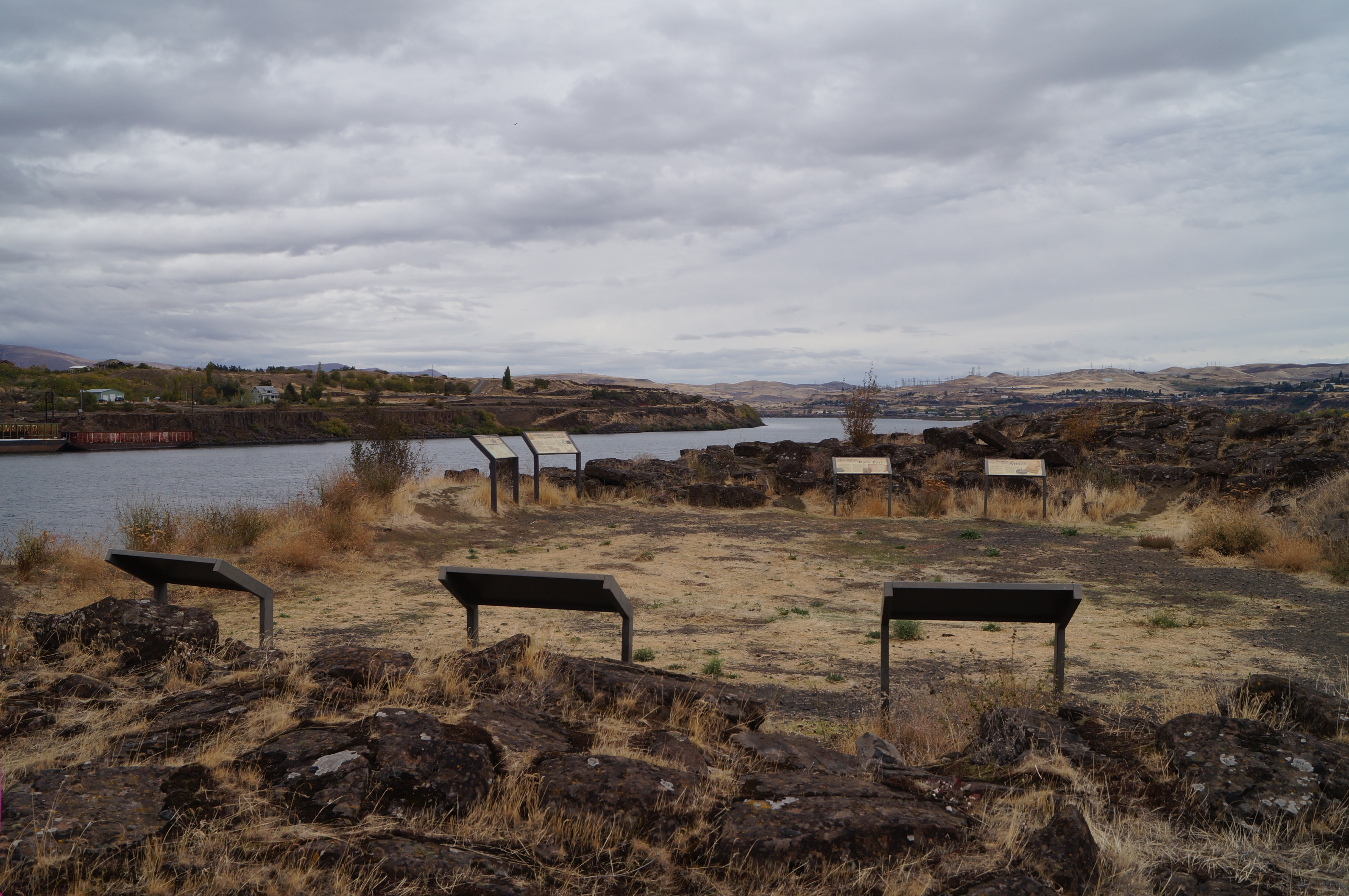 Rock Fort at The Dalles, photo by Dena Weigel Bell