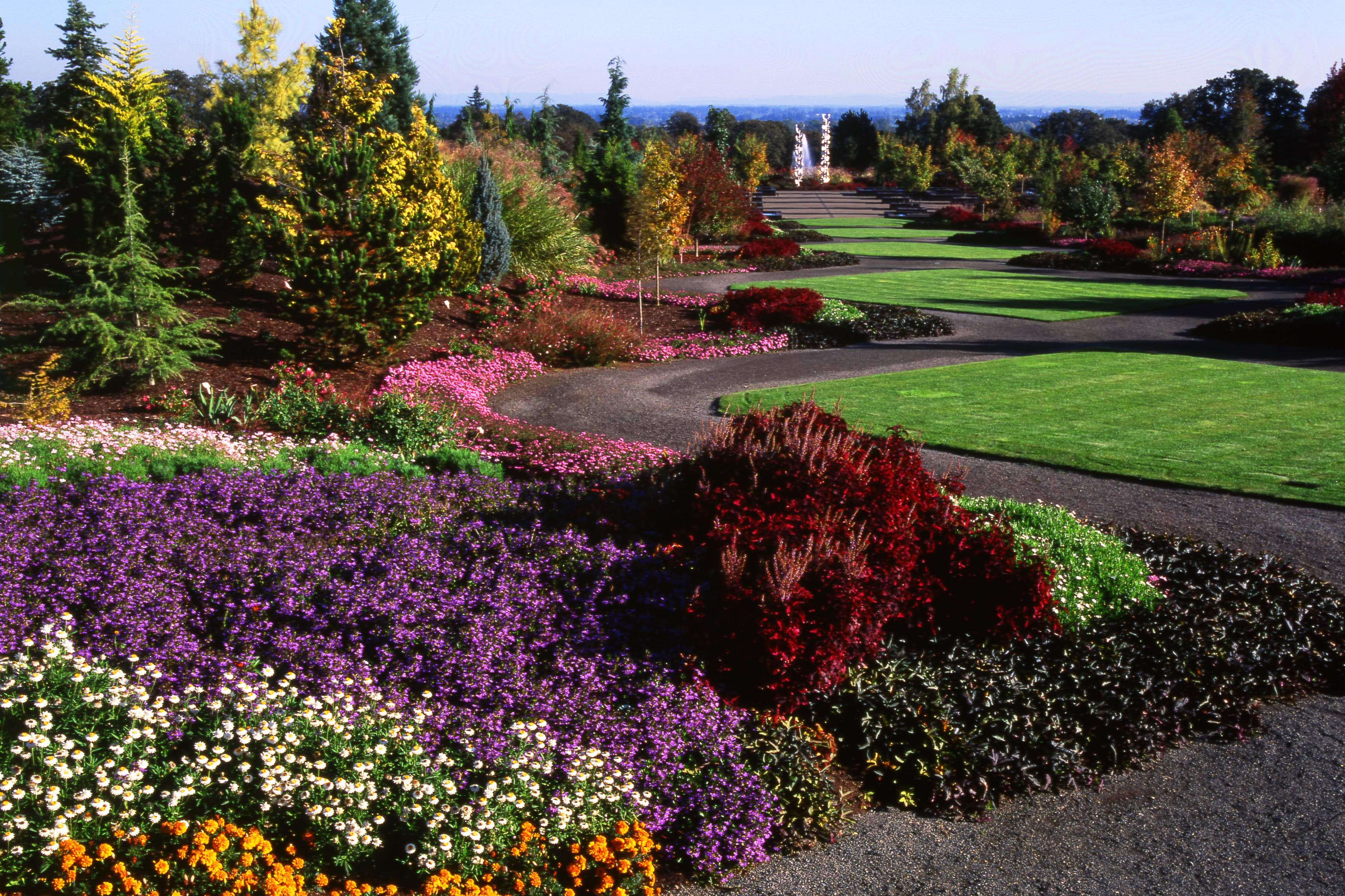 Oregon Garden photo by Travel Salem