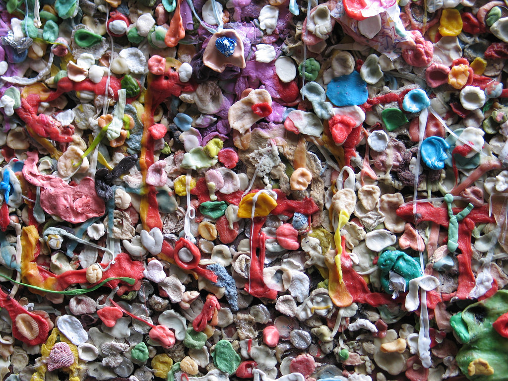 northwest roadside attraction:  gum wall