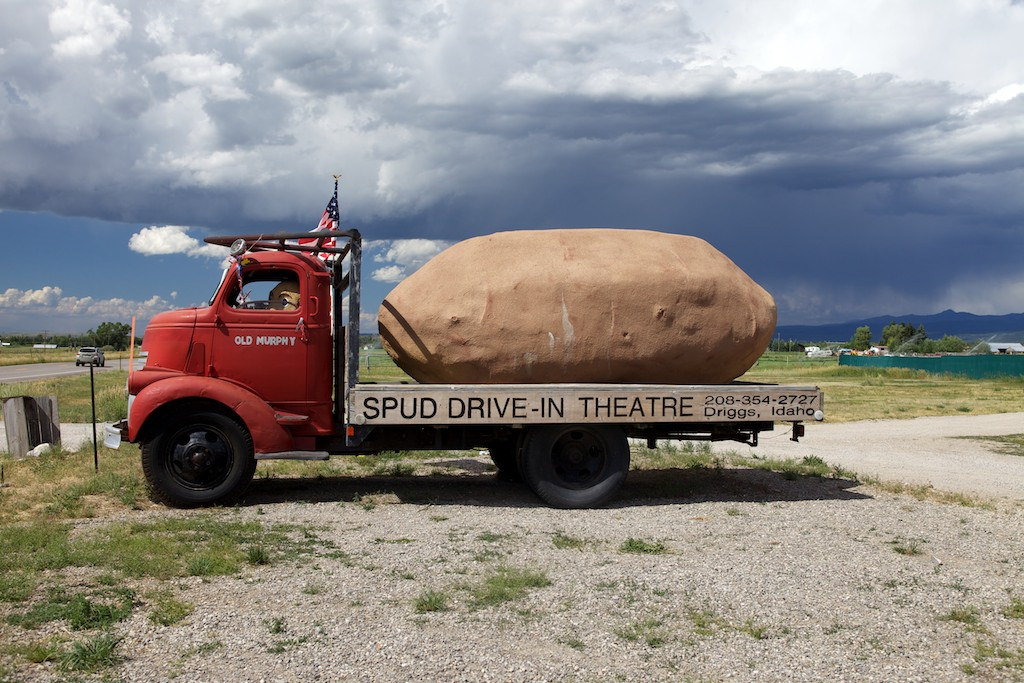 northwest roadside attraction:  spud drive in