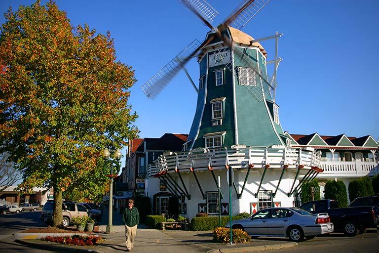 northwest roadside attraction: roslyn windmill