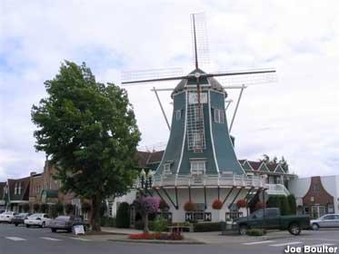 Dutch Village Mall