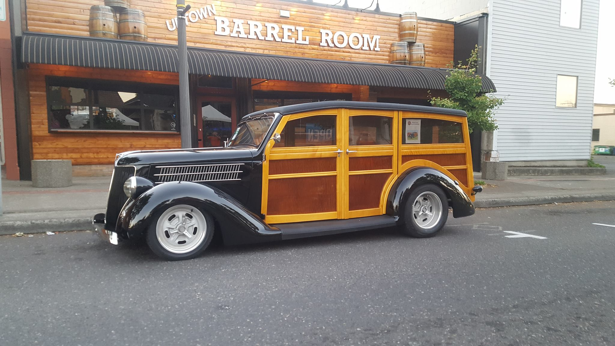 Uptown Barrel Room - Vancouver, WA