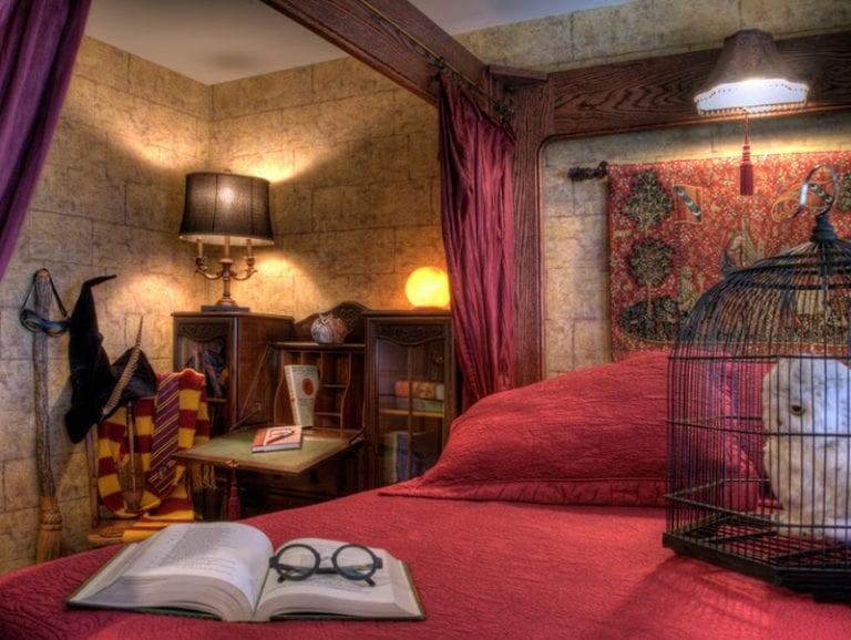 Sylvia Beach Hotel's J.K. Rowling Room