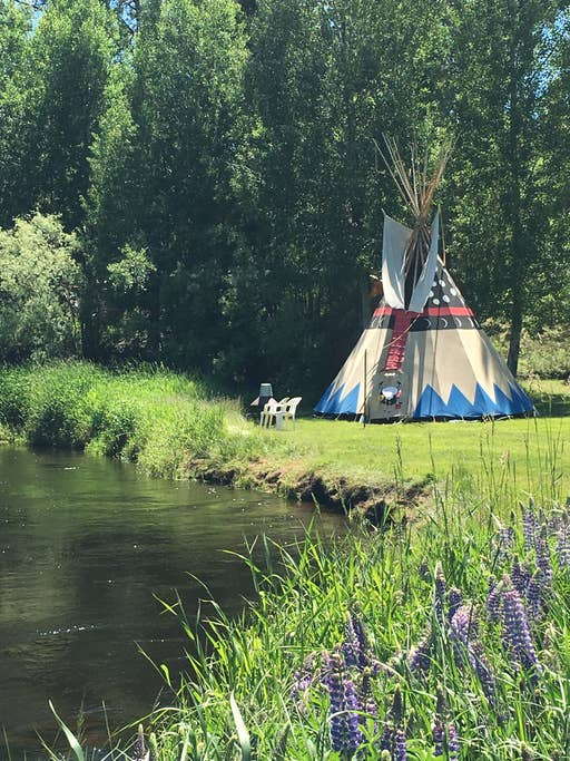 Tipi camping in LaPine Oregon