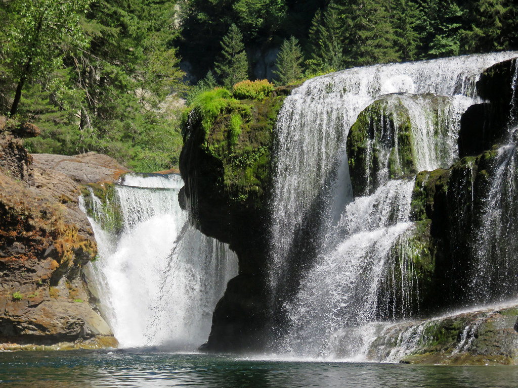 Photo of the Week: Lower Lewis River Falls