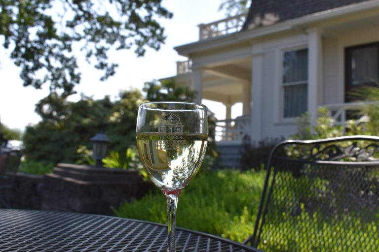 gorge white house cider and wine hood River oregon